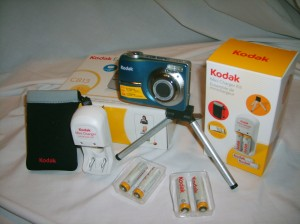 Kodak Easyshare C813 with accessories